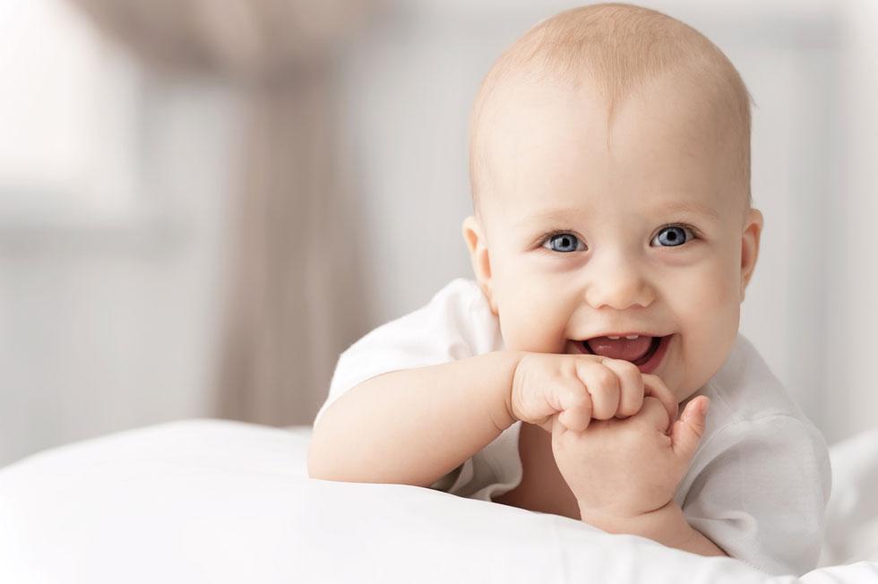 הסתגלות של ילד להירדמות עצמאית, צריכה להיעשות בצורה הדרגתית, שנותנת מענה תמידי ומיידי לבכי (צילום: Shutterstock)