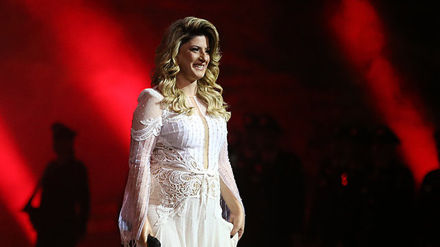 Singer Sarit Hadad (Photo: Alex Kolomoisky)