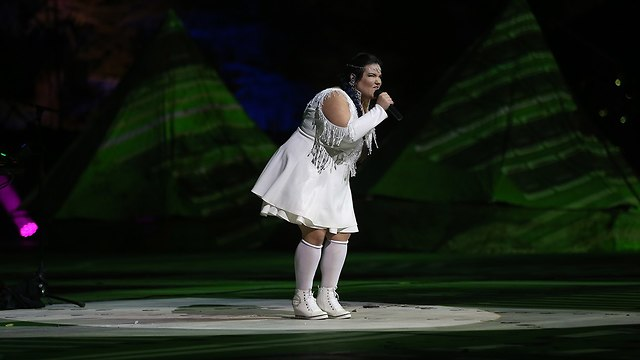 Платье Ям Ягудаев - на церемонии 70-летия Израиля. Фото: Алекс Коломойский