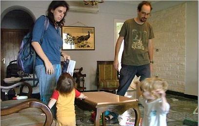 פרופ' ליאת קוזמא ובני משפחתה בקהיר (צילום: און ברק)