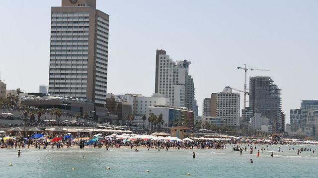 חוף תל אביב (צילום: יאיר שגיא)