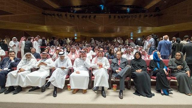 בית קולנוע ראשון בסעודיה (צילום: AFP / BANDAR AL-JALOUD )