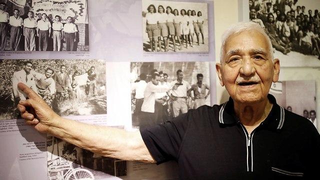90-year-old Zevulun Hareli (Photo: Reuters)
