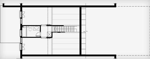 תוכנית הקומה העליונה, ששטחה קטן יותר, לפני השיפוץ (תוכנית: מיכל קוצ'יק-דרור אבירם אדריכלות ושימור)