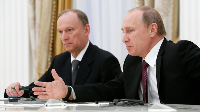On President Putin (foreground)'s orders, Secretary of Russia's Security Council Patrushev met with his Israeli and Iranian counterparts in Sochi (Photo: Reuters)