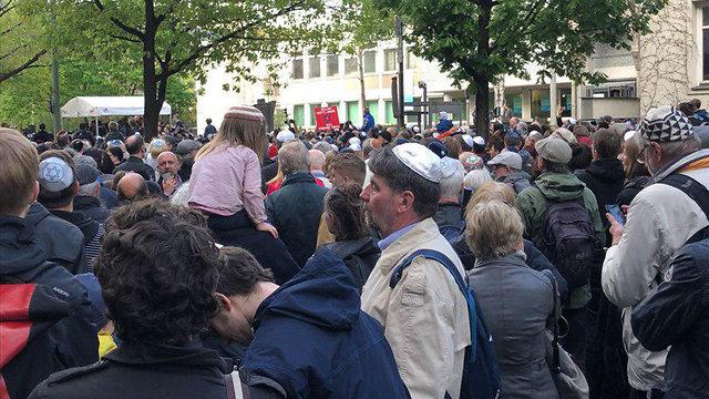 Demonstrators at the 'Kippa March' in Berlin in 2018