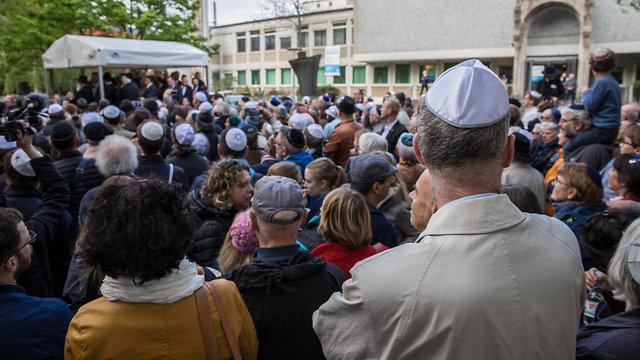 Skullcap march against anti-Semitism held in Berlin in April (Photo: EPA)