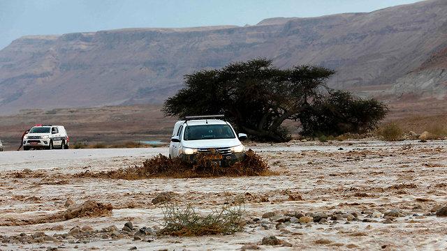 26.4 מזג אוויר שיטפונות מדבר יהודה ים המלח עין בוקק (צילום: AFP)