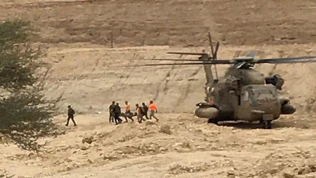 כוחות חילוץ בנחל צופית (צילום: דורון בן הרוש)