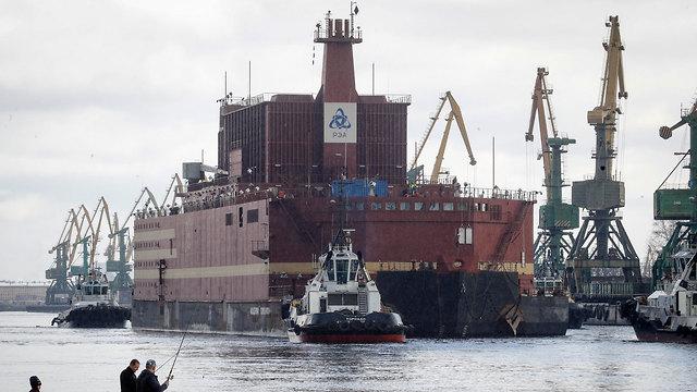אקדמיק לומונסוב כור גרעיני צף של רוסיה (צילום: AP)