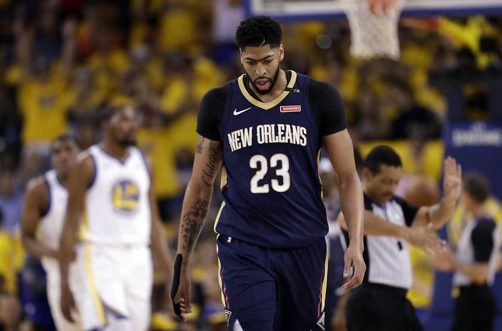 אנתוני דייויס מאוכזב (צילום: AP)