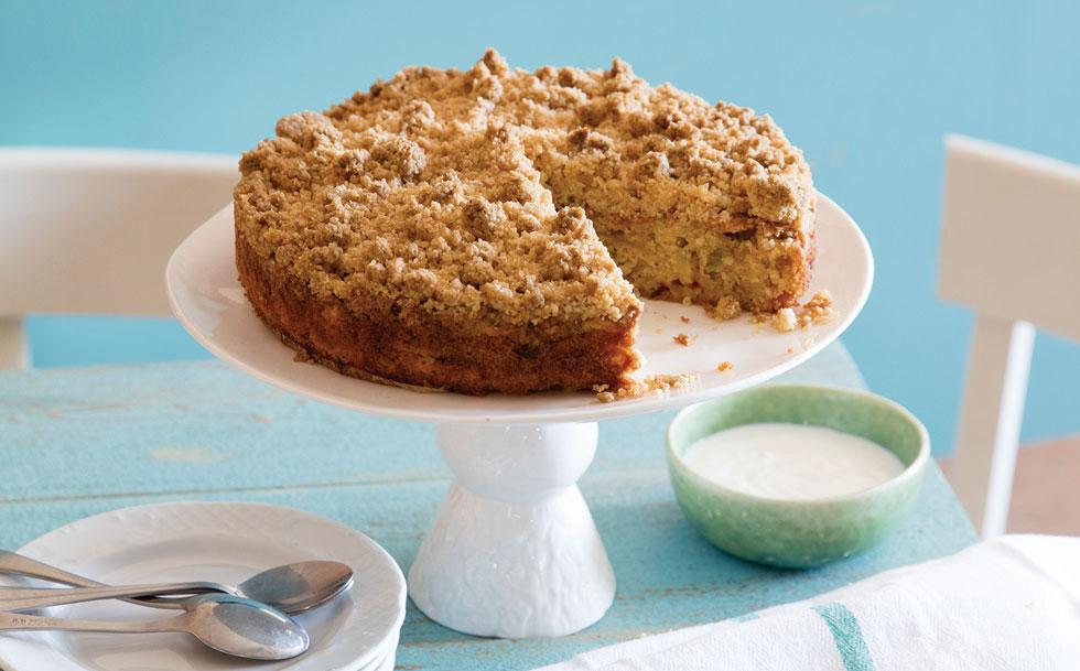 עוגת תפוחים ופירורים (צילום: יוסי סליס, סגנון: נטשה חיימוביץ')