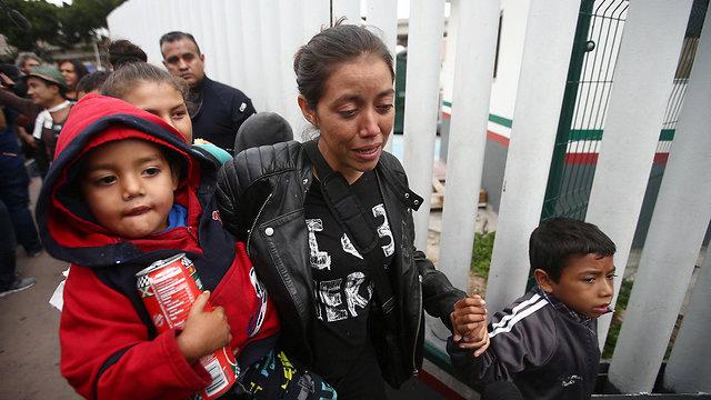 שיירה שיירת מהגרים מהגר מ מרכז אמריקה בדרך ל ארה