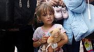 על אף הצו הנשיאותי: המהגרים עדיין מחכים להיפגש עם ילדיהם