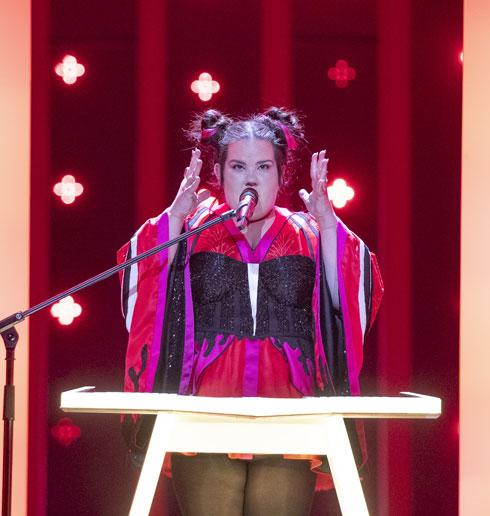 """מעצב שמלת האירוויזיון: """"עד היום פחדתי לעצב למידות גדולות"""". לחצו על התמונה לכתבה המלאה (צילום: Andres Putting)"""