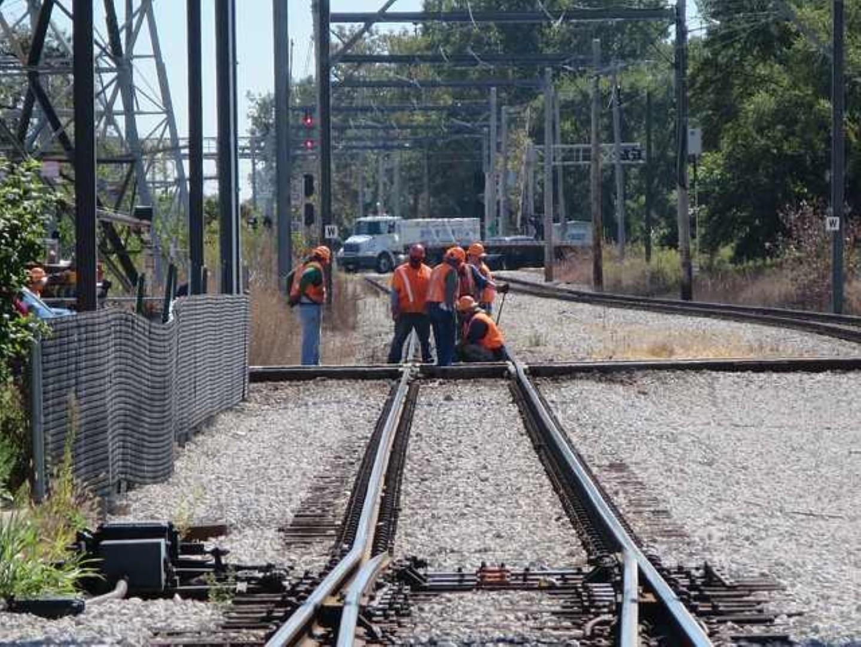כביש בסלילה מסילת רכבת בבנייה (צילום: Pixabay.com)