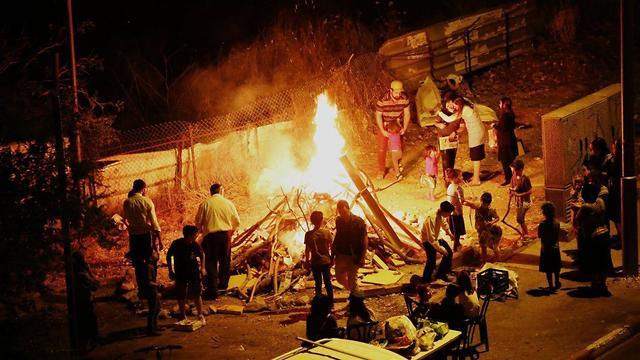 Bonfire in Jerusalem (Photo: TPS)