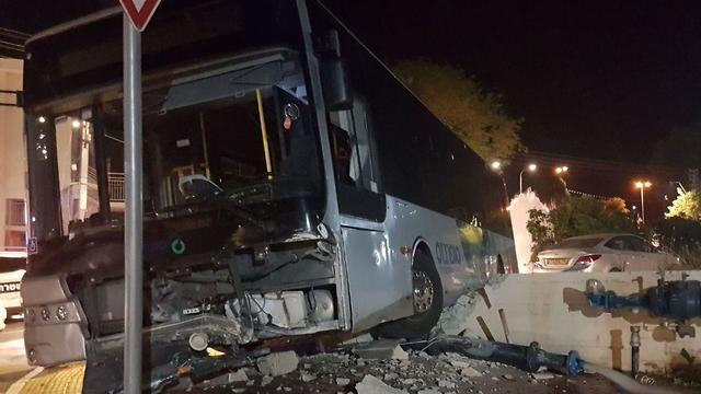 נהג אוטובוס נדקר במהלך נסיעה עפולה (צילום: החדשות החמות)
