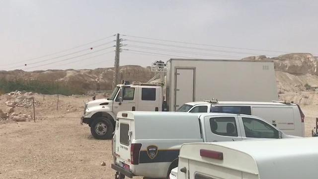 חיפושים  נאות ה כיכר ב ערבה נהג ה משאית איימן ג'אבר טייבה ב נאות ה כיכר אסון ה שיטפון נחל צפית (צילום: דוברות המשטרה)