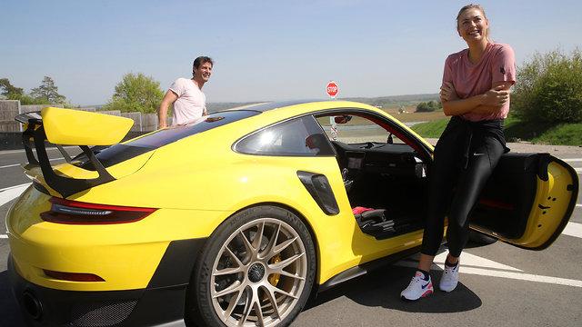 מריה שראפובה מארק וובר פורשה 911 GT2 RS ()
