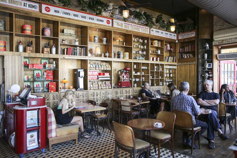 קפה לנדוור תל אביב (צילום: אייל מרילוס)