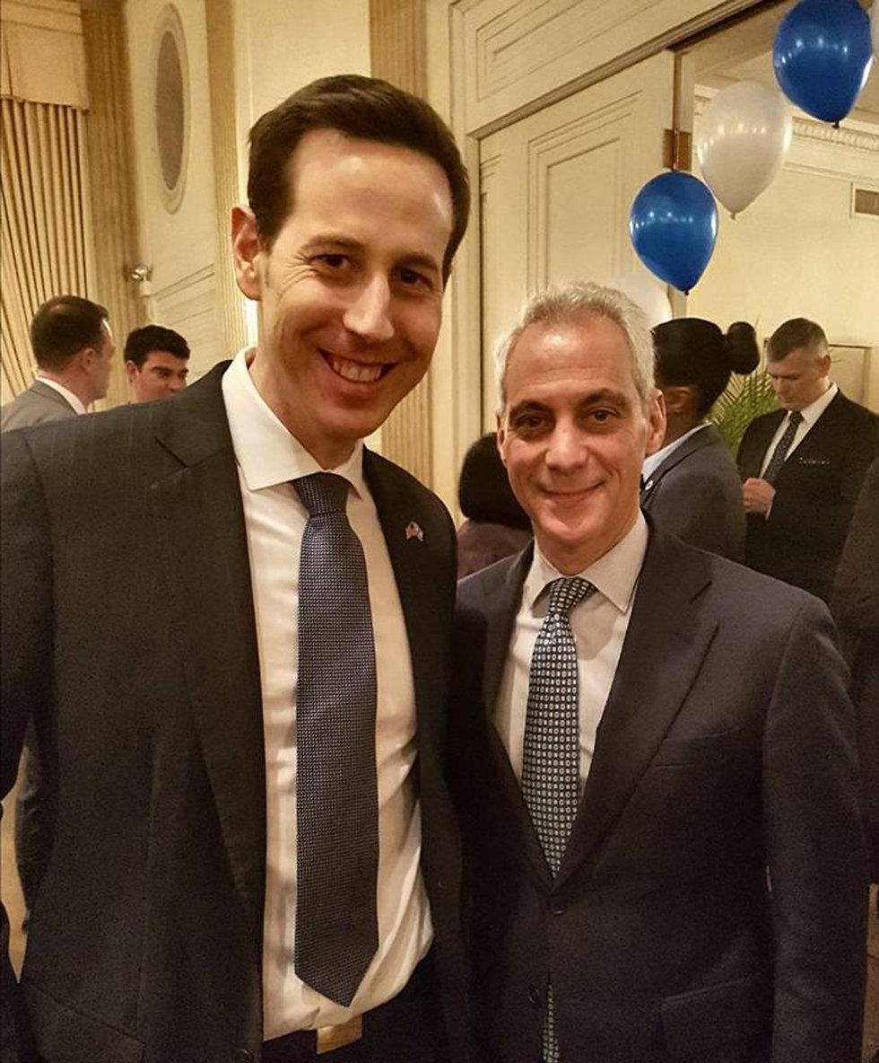 איתי מילנר סגן הקונסול של שיקגו וראם עמנואל ראש עיריית שיקגו ()