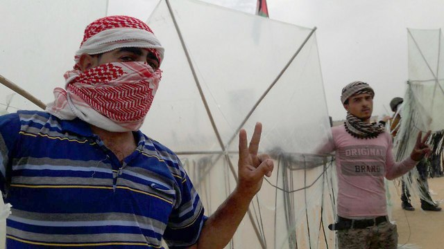 Protesters have been making judicious use of kites in Gaza border protests