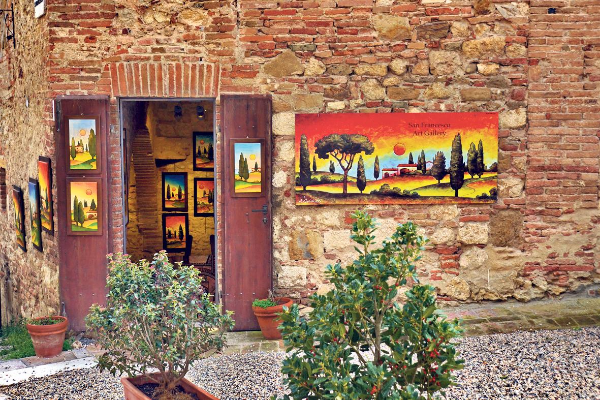 הנוף משפיע גם על היצירות המקומיות הפזורות בשלל גלריות