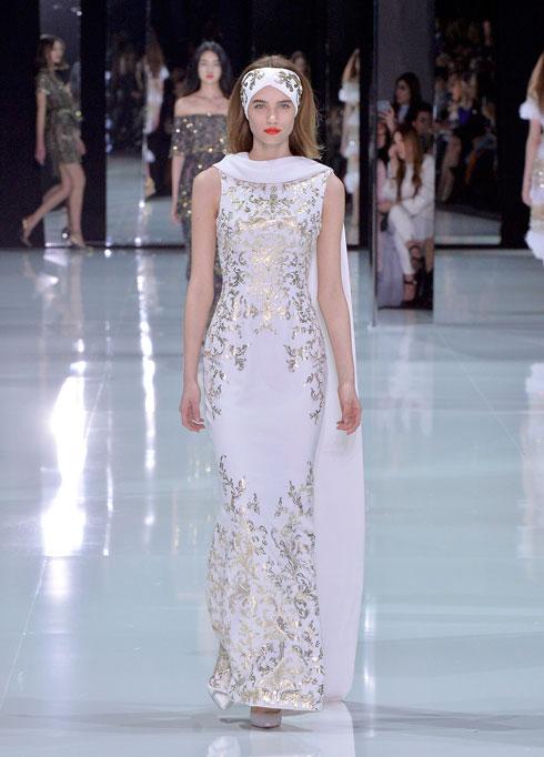 המחיר הגבוה הוא עניין שבשגרה לשמלות כלה של מותגי הוט קוטור, שמושקעות בהן בין 2,000 ל-3,000 שעות עבודה. שמלה של ראלף & רוסו (צילום: GettyimagesIL)