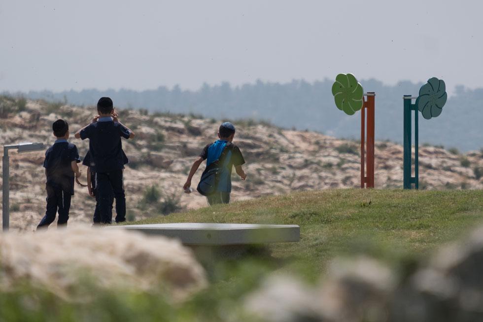 גן מבוא השמש, סמוך לשכונה החרדית רמת בית שמש ג', משתרע על פני 42 דונם (צילום: יואב דודקביץ)