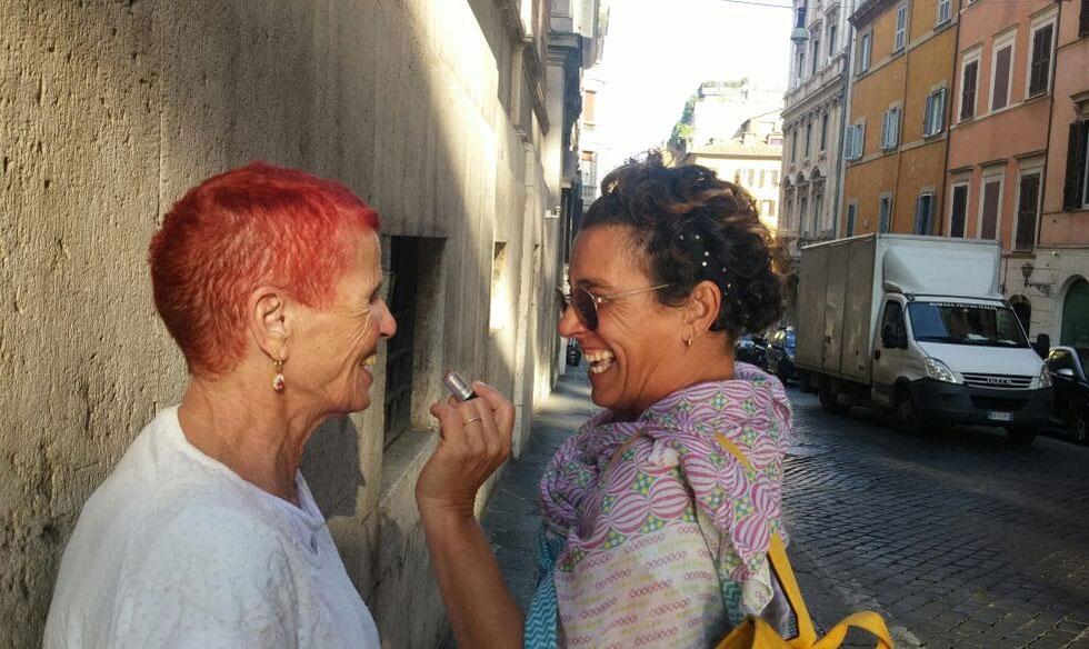 """עם אמה רבקה. """"נאבקתי נגד סגירת המפעל המוגן שבו היא עובדת"""" (צילום: אלבום פרטי)"""