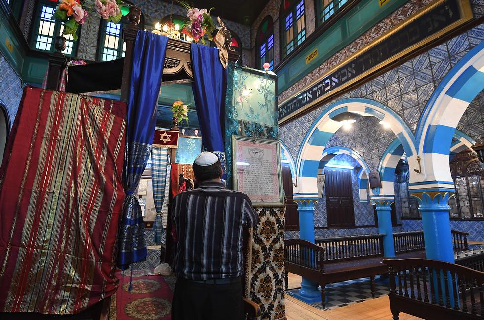 Jewish worshipper at the El Ghriba synagogue in the Tunisian resort island of Djerba (Photo: Reuters)