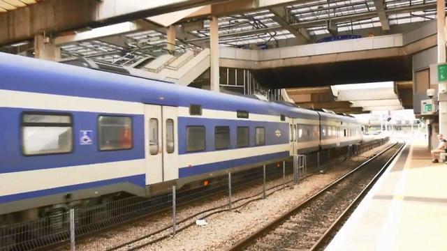 קרונות רכבת ישראל בתל אביב (צילום: מתן טורקיה)