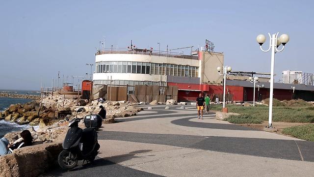 הדולפינריום ב 2006 (צילום: מיכאל קרמר)