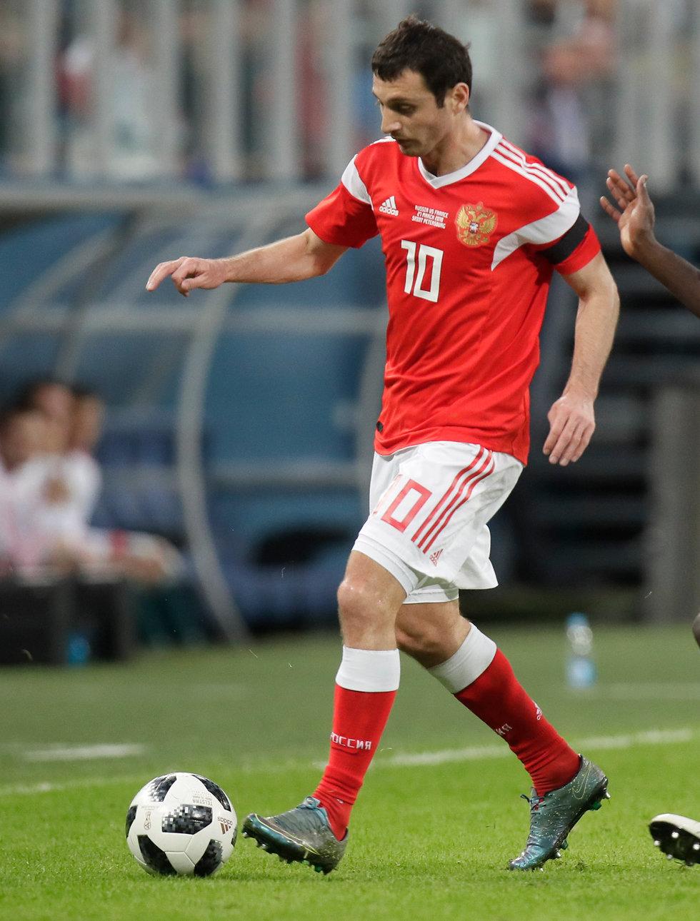 נבחרת רוסיה אלן דזגוייב  (צילום: AP)