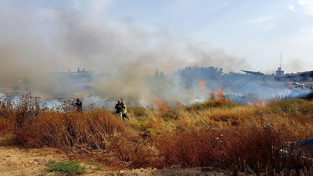Fires breaking out across Gaza border communities (Photo: Roee Idan)