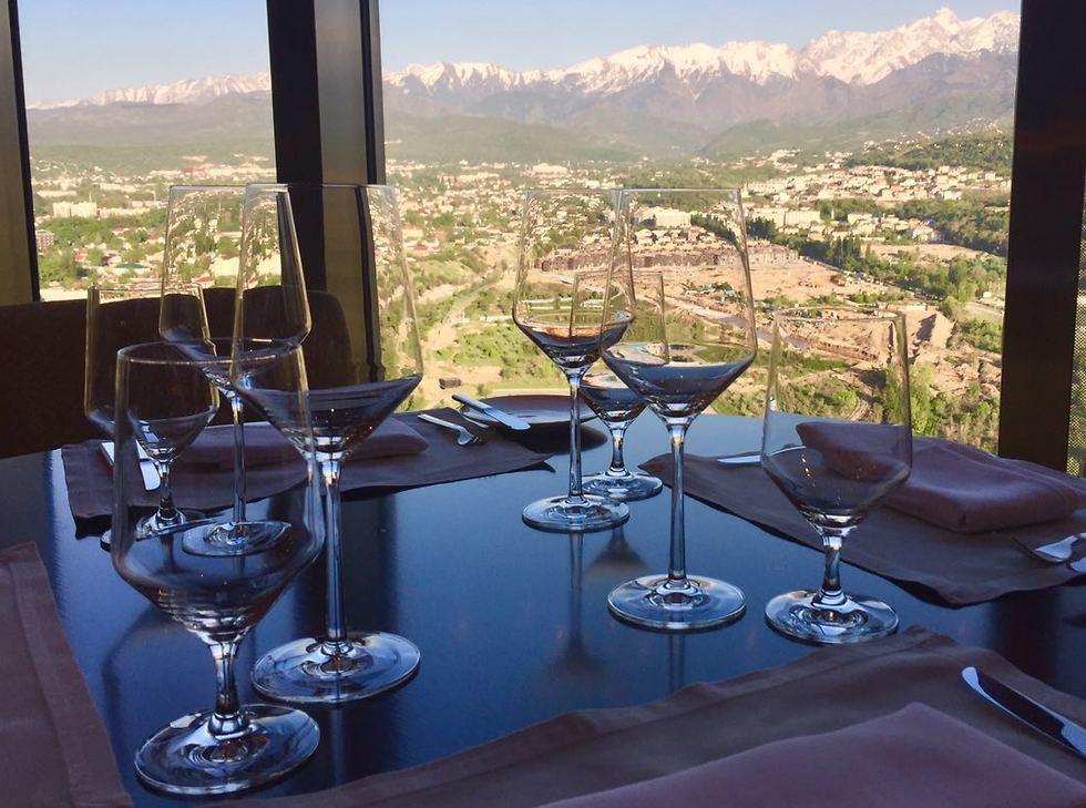 יינות ישראלים בקזחסטן (צילום: יח