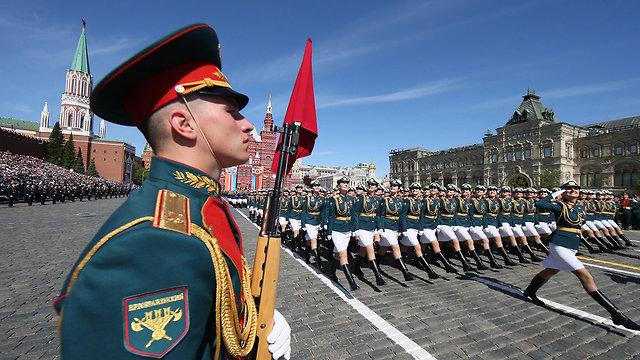 מצעד צבאי ניצחון על הנאצים הכיכר האדומה מוסקבה רוסיה (צילום: EPA)