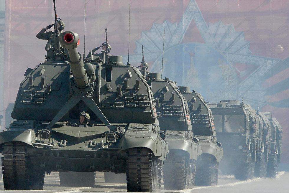 מצעד צבאי ציון 73 שנה לניצחון על גרמניה הנאצית במלחמת העולם השנייה ב סנט פטרבורג רוסיה (צילום: AFP)