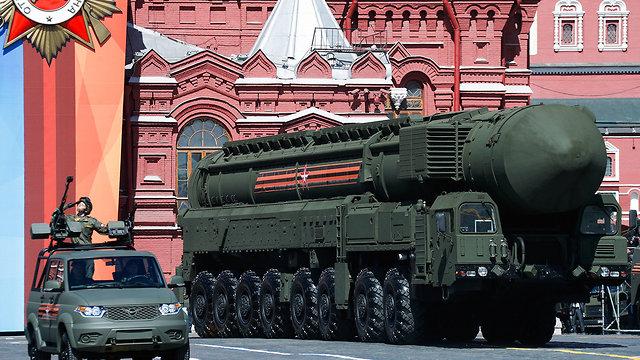 טיל בליסטי יארס רוסיה מוסקבה מצעד צבאי (צילום: MCT)