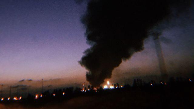 מהומות עזה פלסטינים שריפות צינורות גז מעבר סחורות כרם שלום (צילום: דובר צה