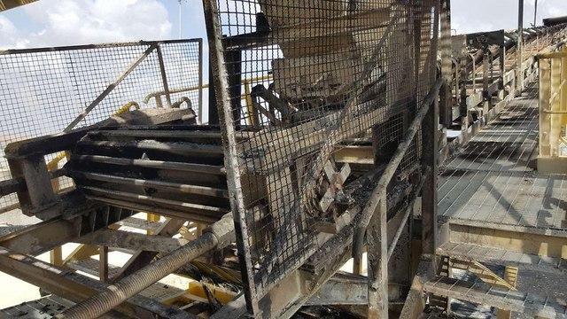 הרס מעבר כרם שלום הוצת צדו הפלסטיני רצועת עזה ()
