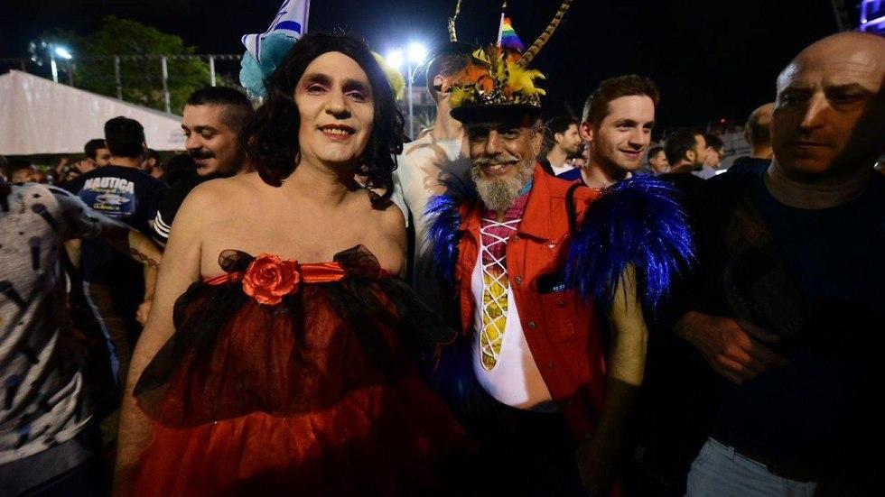 מסיבה לאחר זכיה כיכר רבין (צילום: רז גרוס)
