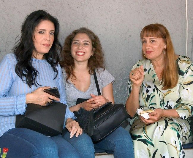 פערי דורות. מיקי קם, רוני דלומי ודפנה דקל (צילום: ענת מוסברג)