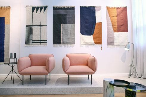 אפשר גם לקיר. מתוך קולקציית השטיחים (צילום: דרור סיתהכל)