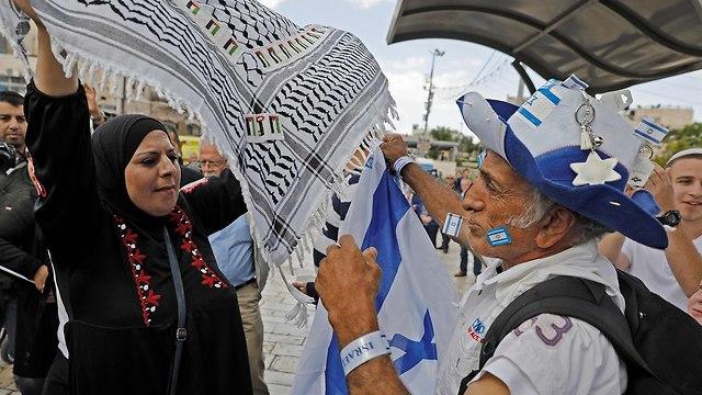 עימותים שער שכם יום ירושלים  (צילום: AFP)