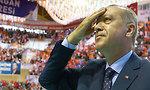 נשיא טורקיה רג'פ טאיפ ארדואן עצרת בחירות איזמיר (צילום: AFP/ TURKISH PRESIDENTIAL PRESS SERVICE)