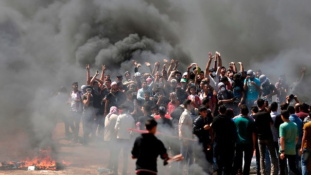 Protestors in the Gaza Strip, Monday morning (Photo: AFP)