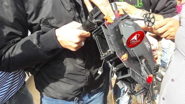 רחפן הופל על ידי מפגינים ברצועת עזה ()