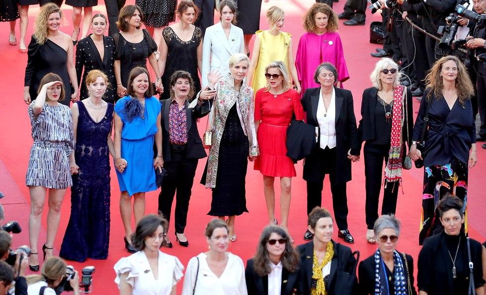 שחקניות ובמאיות מוחות נגד הדרת נשים בפסטיבל קאן ה-71  (צילום: gettyimgaes)